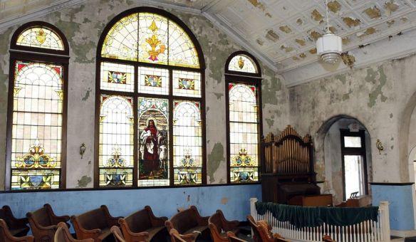 mt zion church inside