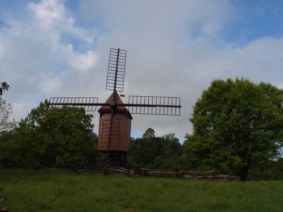 a Williamsburg windmill.JPG